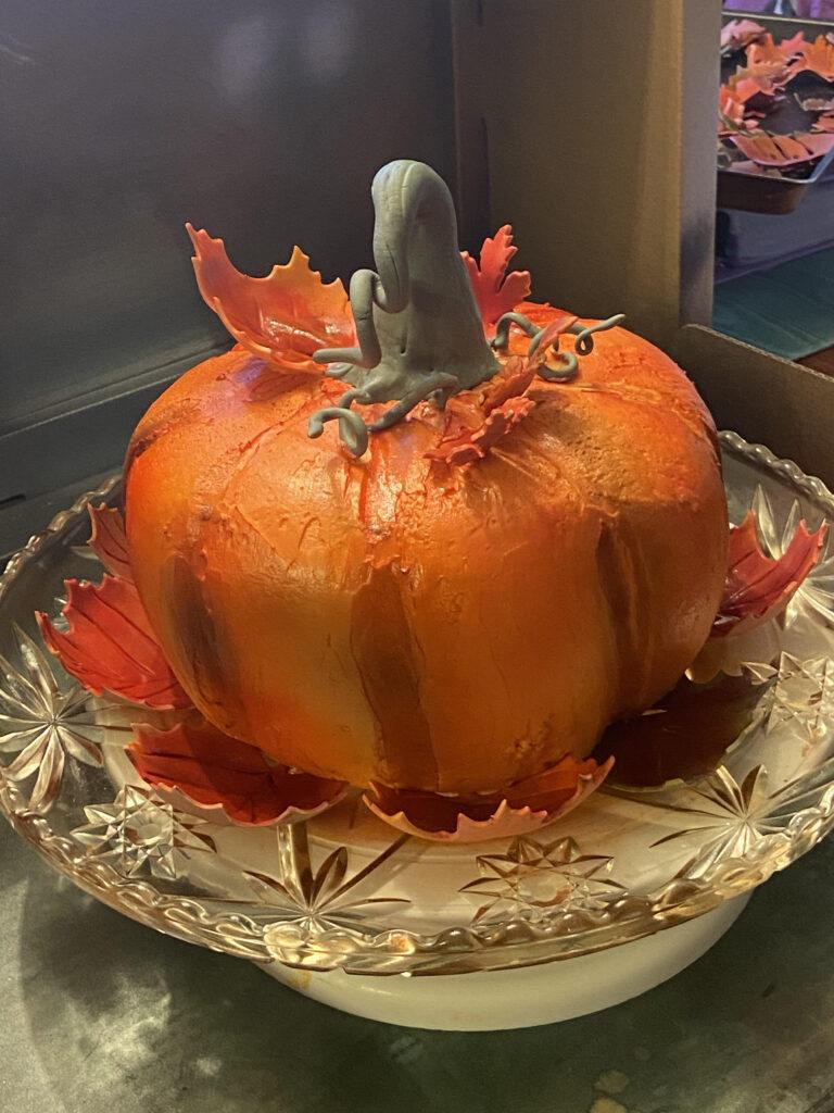 A Kathy Kaneps cake that looks like a pumpkin